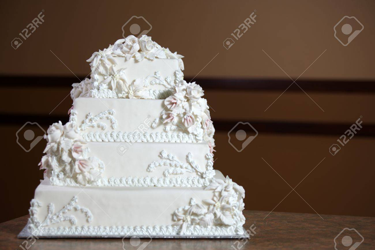 Wedding Cake - Luxury , Expensive Design Stock Photo - 9234929