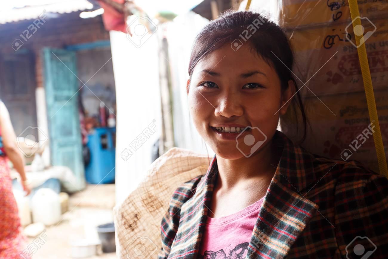 Pretty girl myanmar Burmese Women−Best