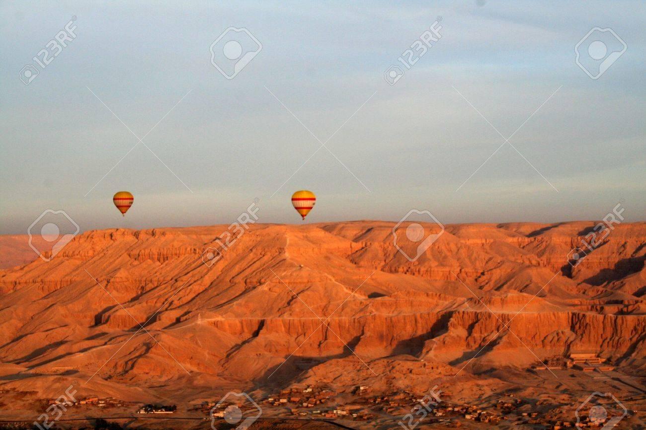 Hot Air Balloons [River Nile, Near Luxor, Egypt, Arab States, Africa]. Stock Photo - 4208381