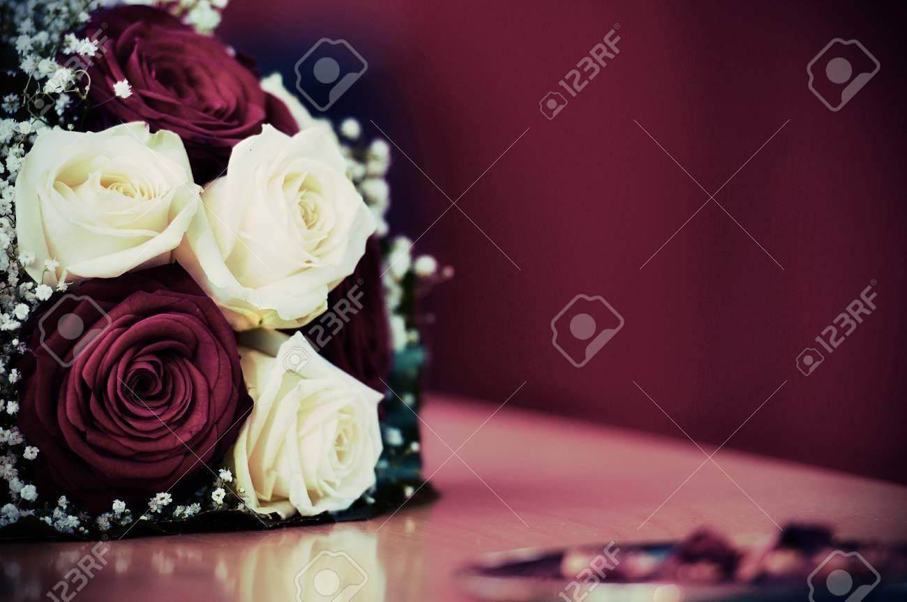 Bunch Of Roses - Vintage Grainy Look Standard-Bild - 26719140