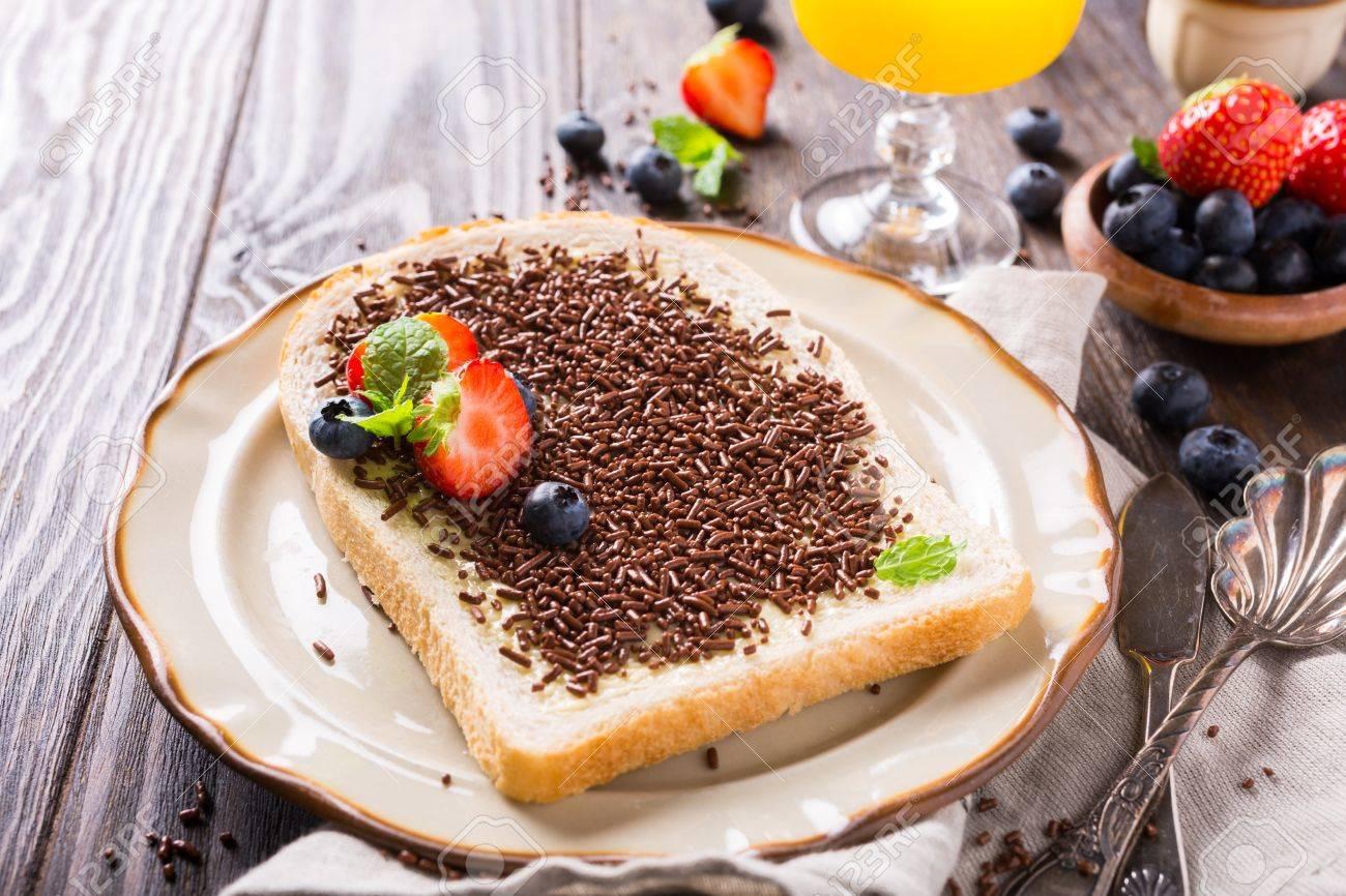eating sprinkles dutch hagelslag bread eats