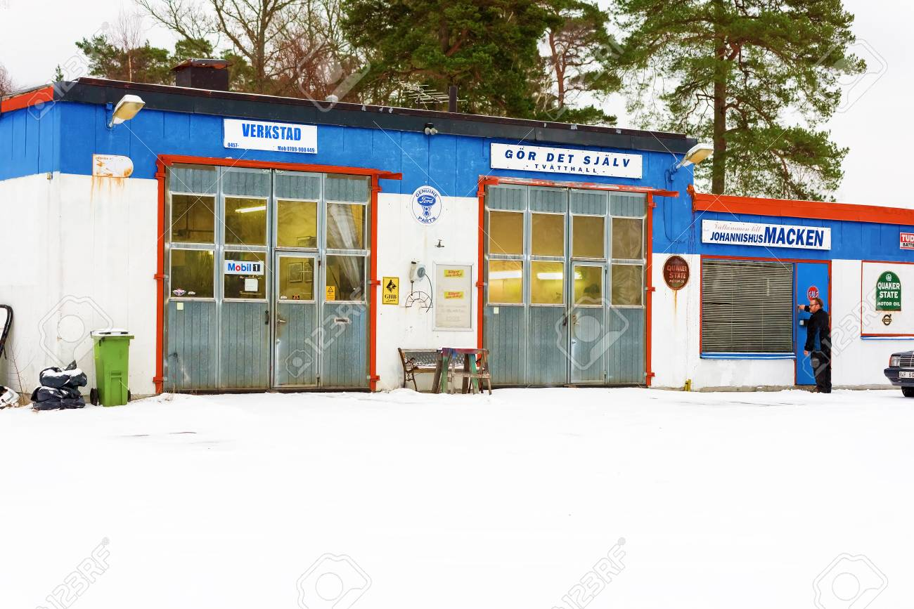 Johannishus sweden january 8 2016 the auto repair shop houses johannishus sweden january 8 2016 the auto repair shop houses a garage solutioingenieria Choice Image