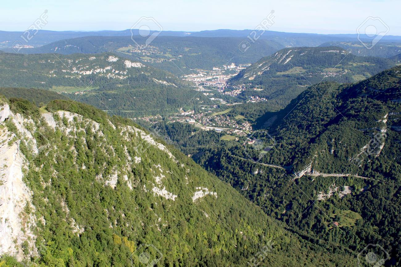 design de qualité 98324 3cb7c Stunning view of Sainte Claude and the French Jura taken from..