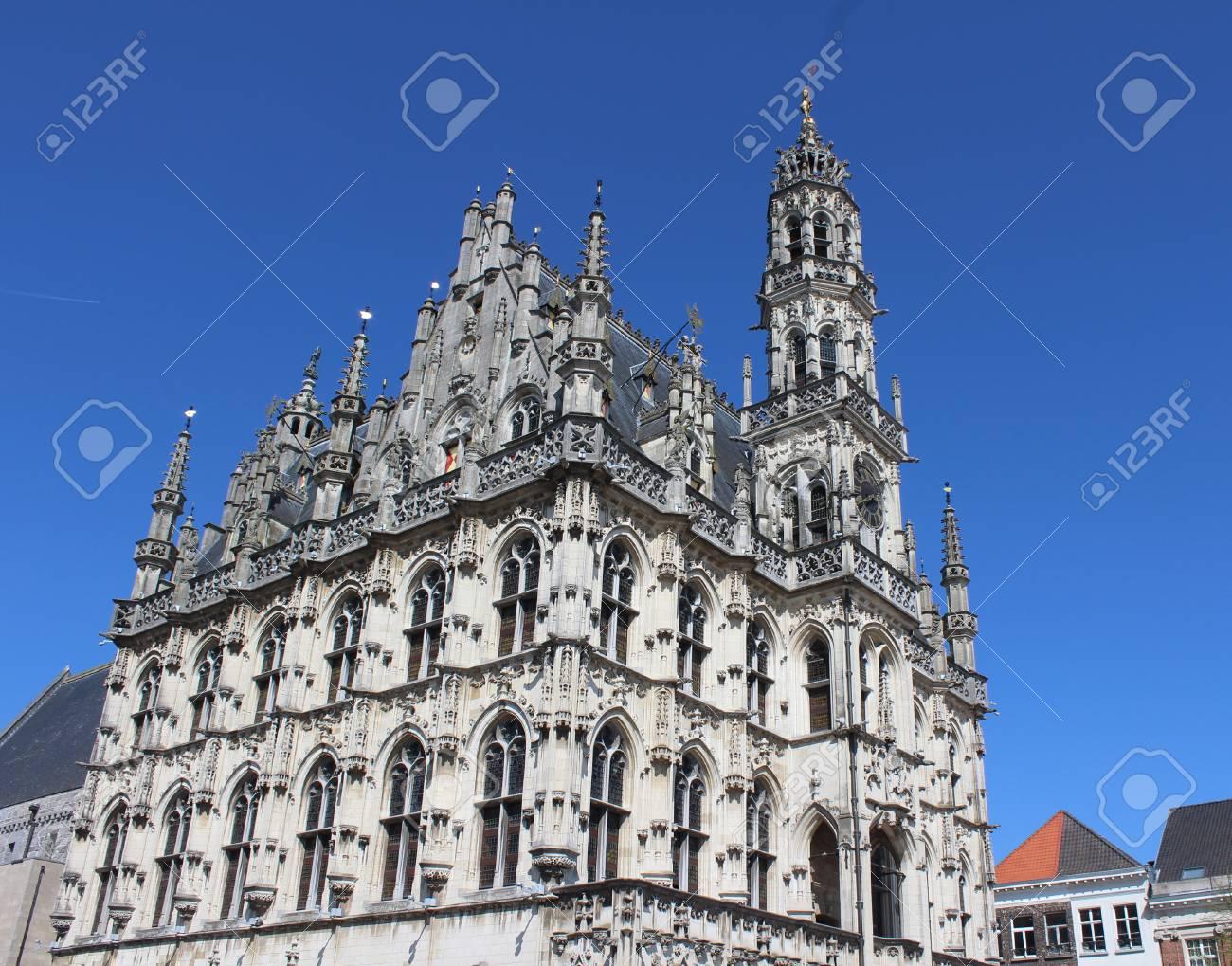 美しい 14 世紀後期ゴシック様式...