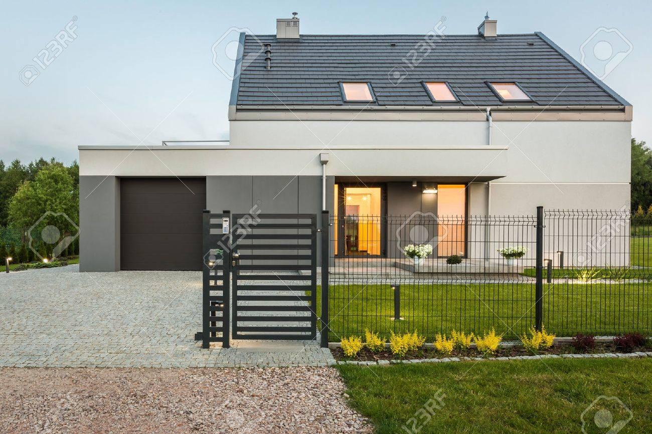 Neues Licht Haus Mit Zaun Und Stein Auffahrt Aussenansicht