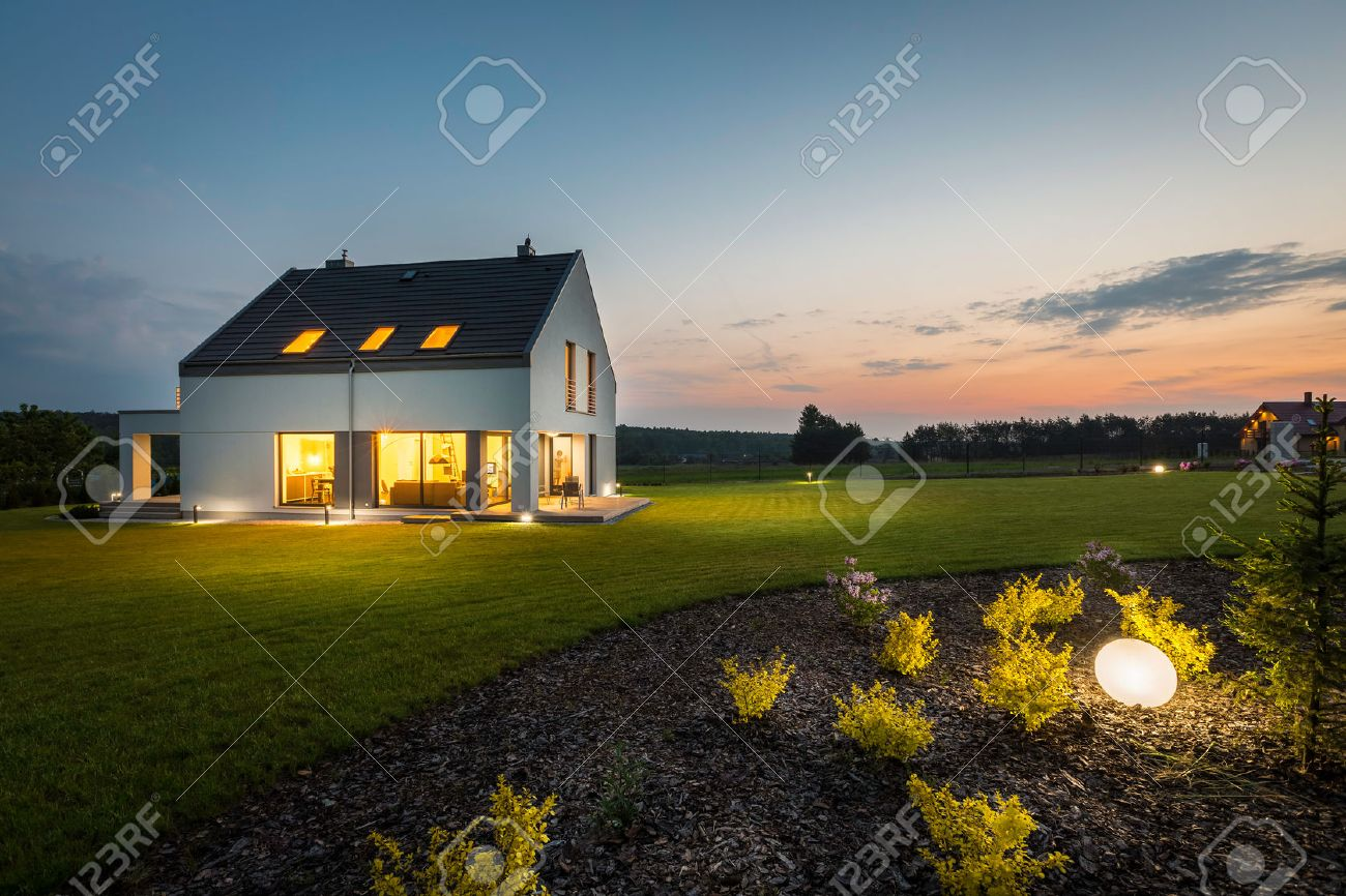 Photo of modern house with outdoor lighting at night external photo of modern house with outdoor lighting at night external view mozeypictures