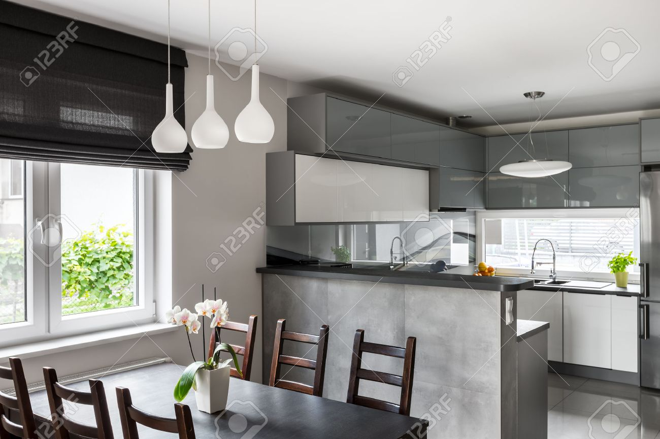 Simple Dining Set Decorative Pendant Lamp And Roller Blinds Light Open Kitchen In The