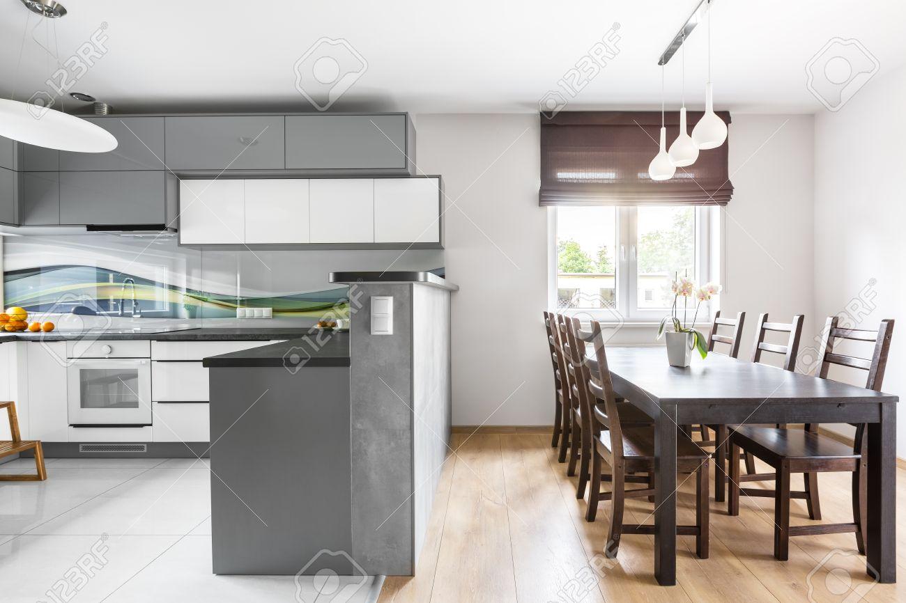 Interieur Moderne Villa Mit Licht Geräumige Küche Offen Zum ...