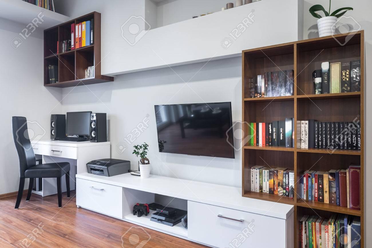 Moderne Wohnlandschaft Mit Tv Wohnzimmer Und Burobereich Kombiniert