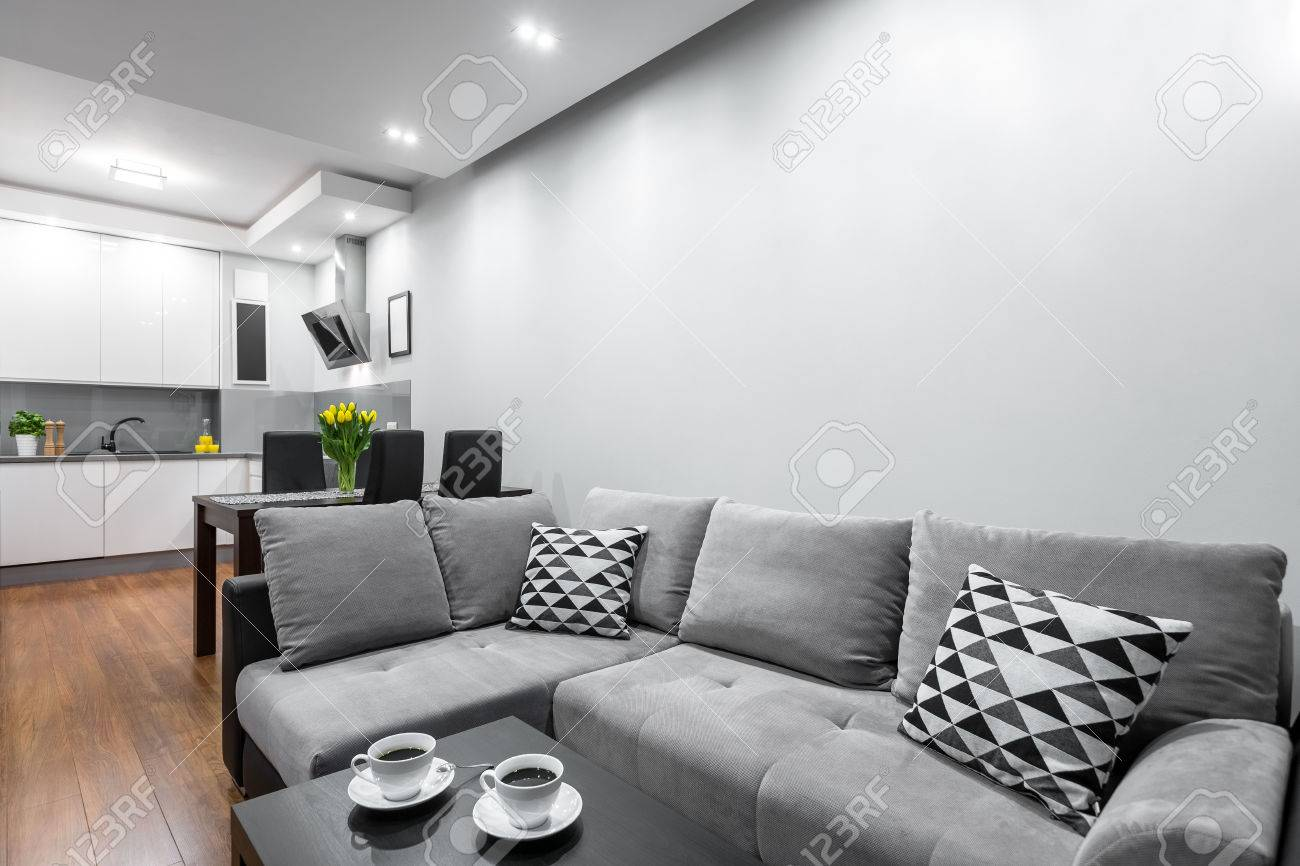 Incredible New Style Home Interior With Large Sofa Dark Dining Set And Home Interior And Landscaping Mentranervesignezvosmurscom