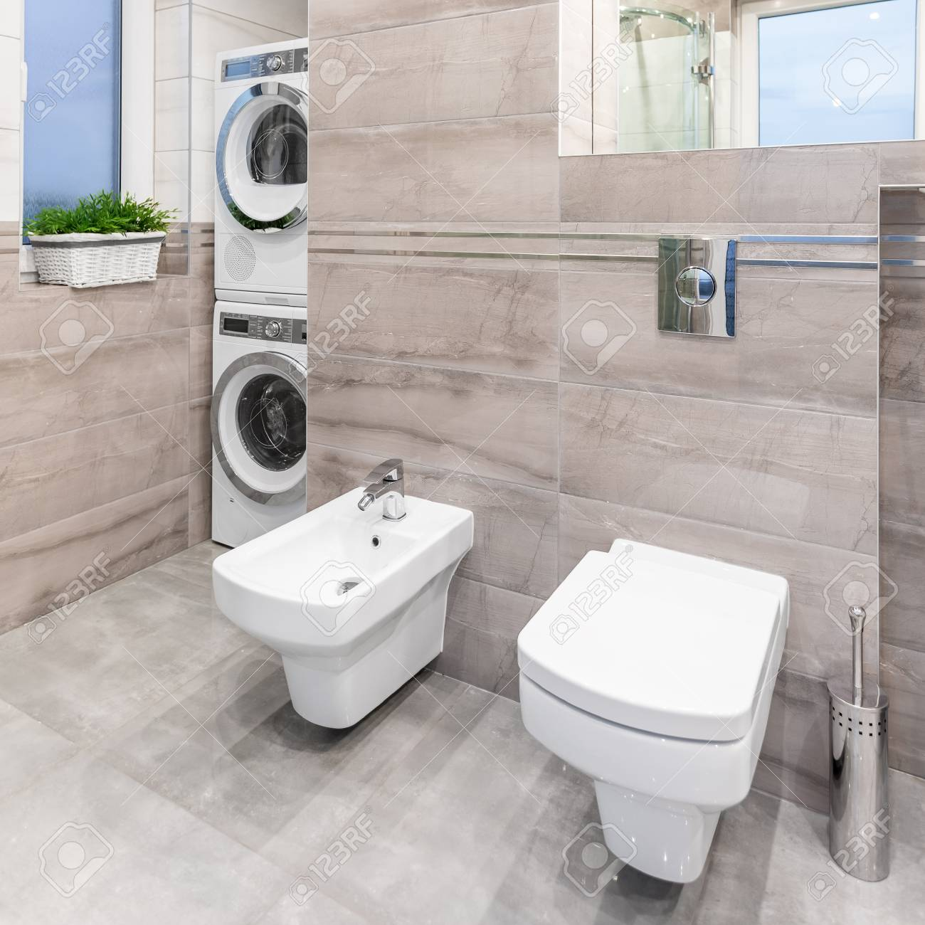 Petite Salle De Bain Avec Laveuse Secheuse ~ salle de bain beige avec miroir toilette bidet laveuse et