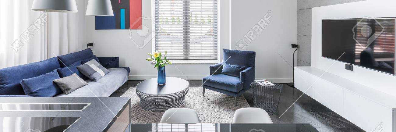 Panorama Tv Meubel.White Tv Living Room With Blue Upholstered Furniture Panorama