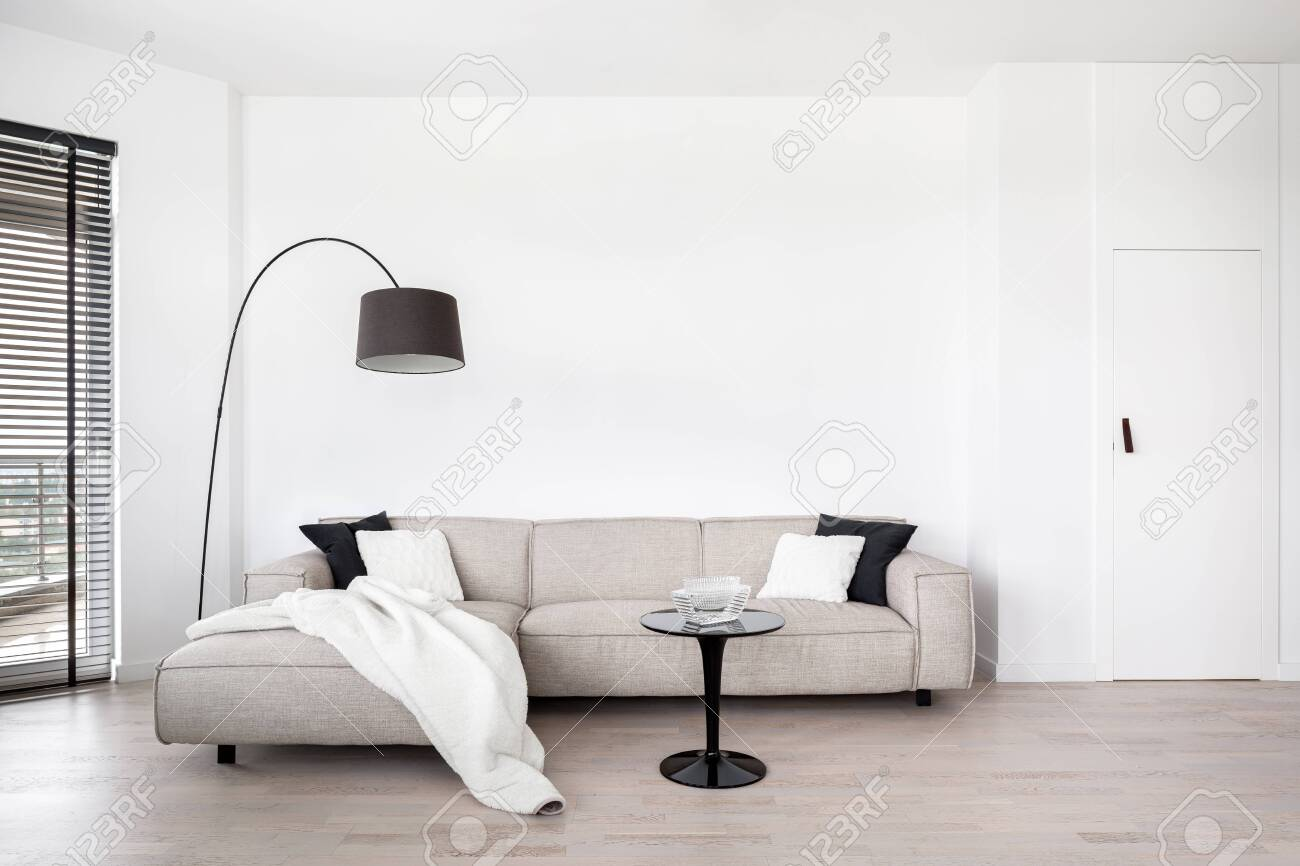 Brilliant Living Room With Big Corner Sofa And Black Modern Coffee Table Pdpeps Interior Chair Design Pdpepsorg