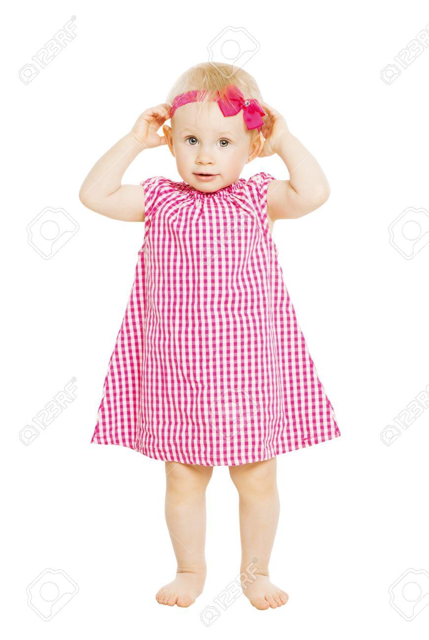 Petit Garcon De Jeune Fille En Robe Rouge Avec Un Arc Enfant Isole Sur Fond Blanc Banque D Images Et Photos Libres De Droits Image 28383686