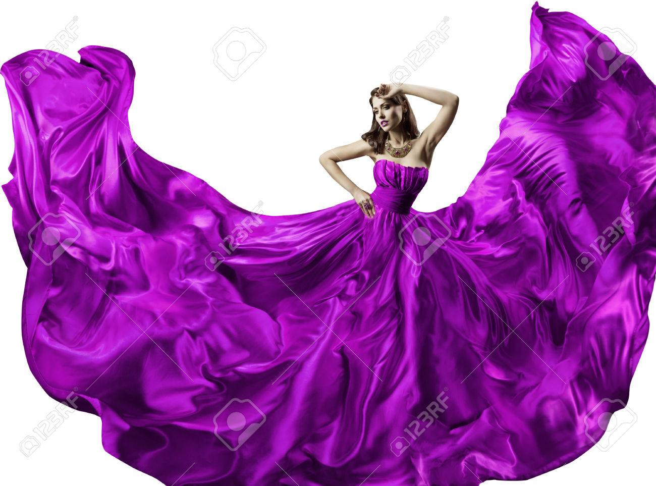 Фото девушек в шёлковых платьях 17 фотография