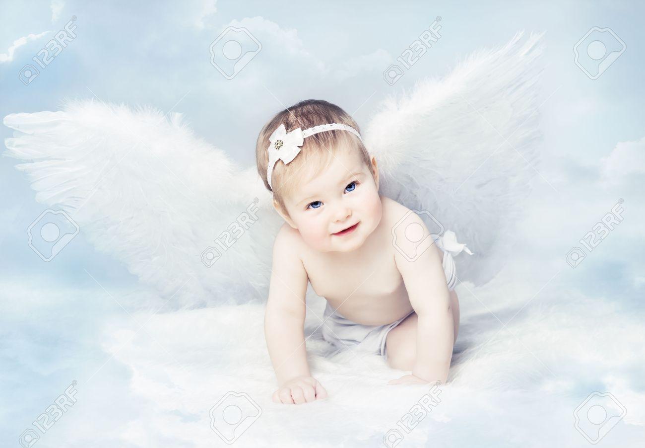 Ребенок с крыльями