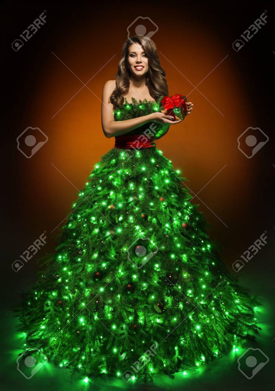 weihnachtsbaum-frauen-kleid, mode beleuchtung weihnachtskleid, mädchen  eröffnung geschenk-kasten