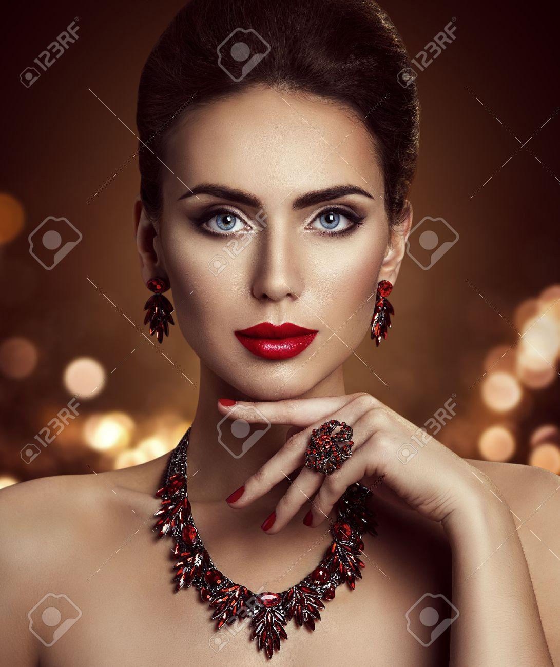 Fashion Model Beauty Makeup and Jewelry, Elegant Woman Beautiful..