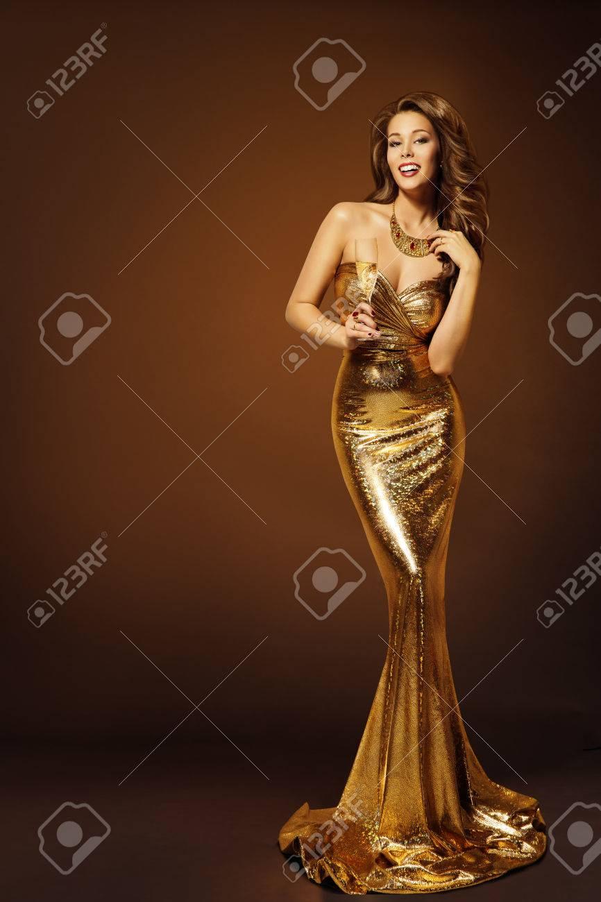 Welche farbe hat das kleid weib gold