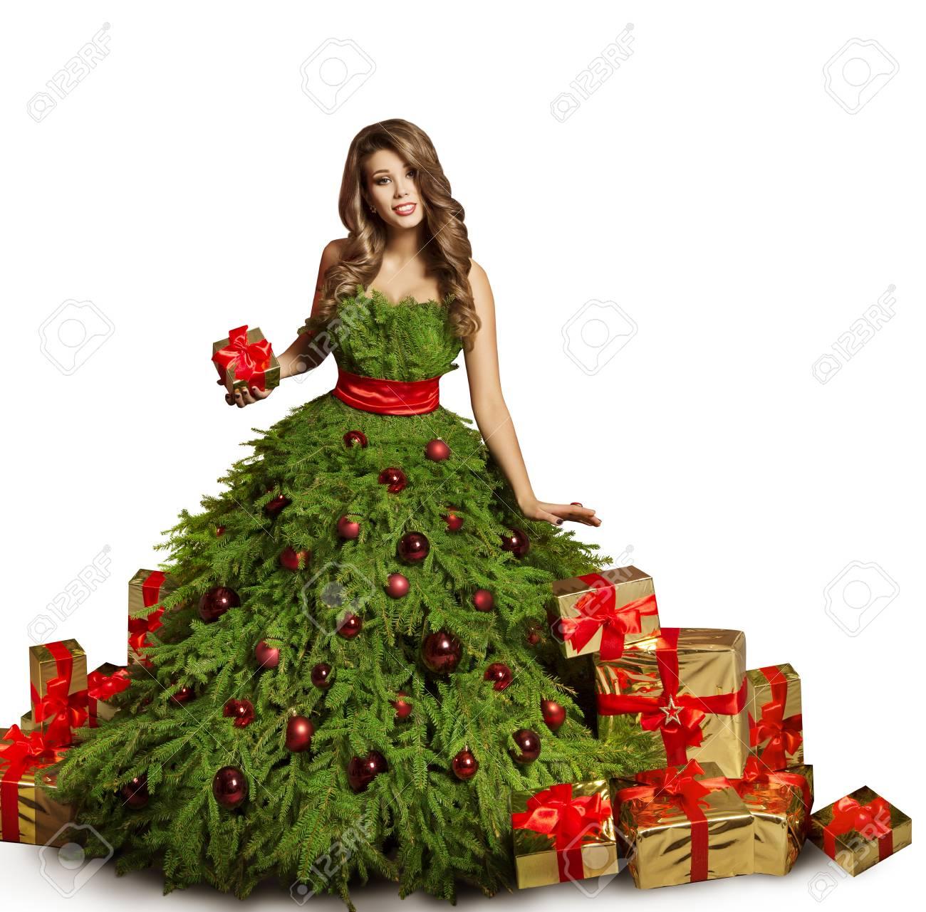 Robe De Sapin De Noel De Femme Et Presente Des Cadeaux Robe De Nouvel An Modele De Mode Isole Sur Fond Blanc Banque D Images Et Photos Libres De Droits Image 88894787