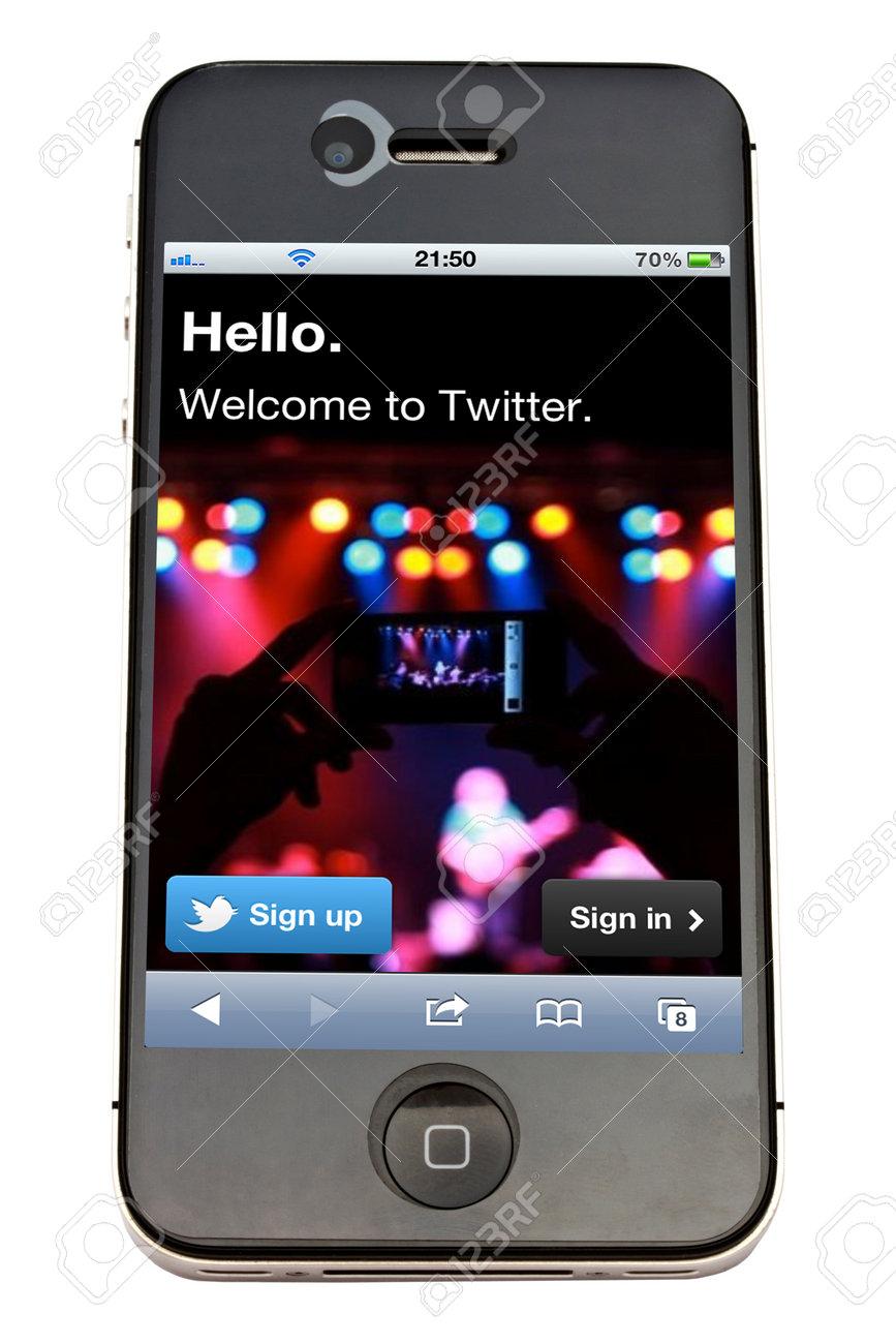 Twitter website display on iPhone 4s screen Stock Photo - 11502118