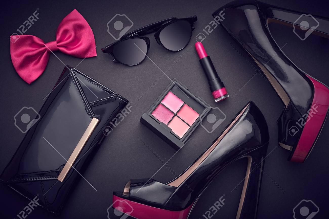 79d2836d7 Diseño De Moda Mujer Set De Accesorios. Maquillaje Cosmético. Gafas De Sol  De Moda De Moda, Ropa De Embrague Bolso De Mano. Glamour Elegante Rosa  Negro ...