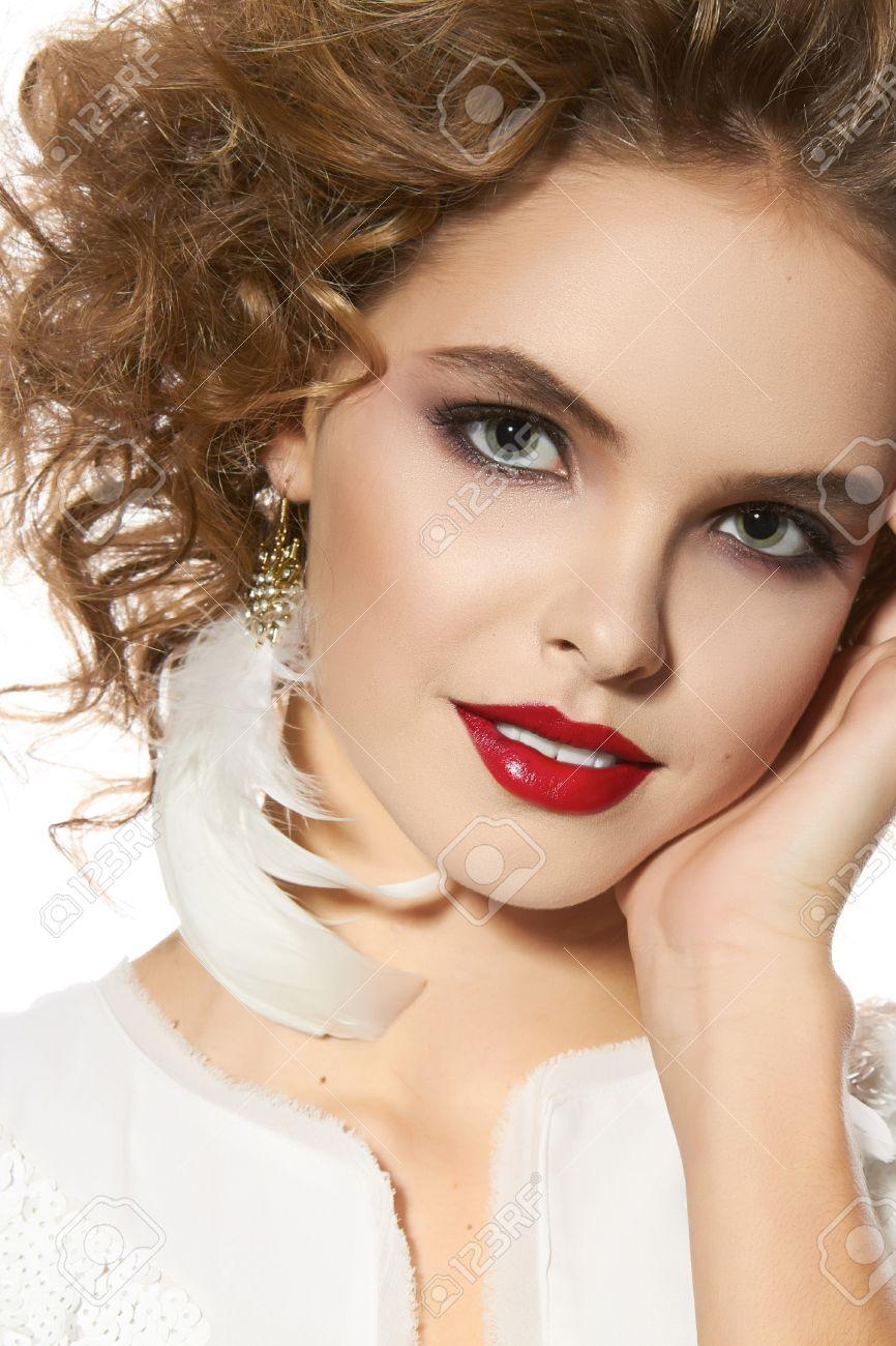 Portrait Der Schönen Jungen Mädchen Mit Einem Hellen Abend Make Up