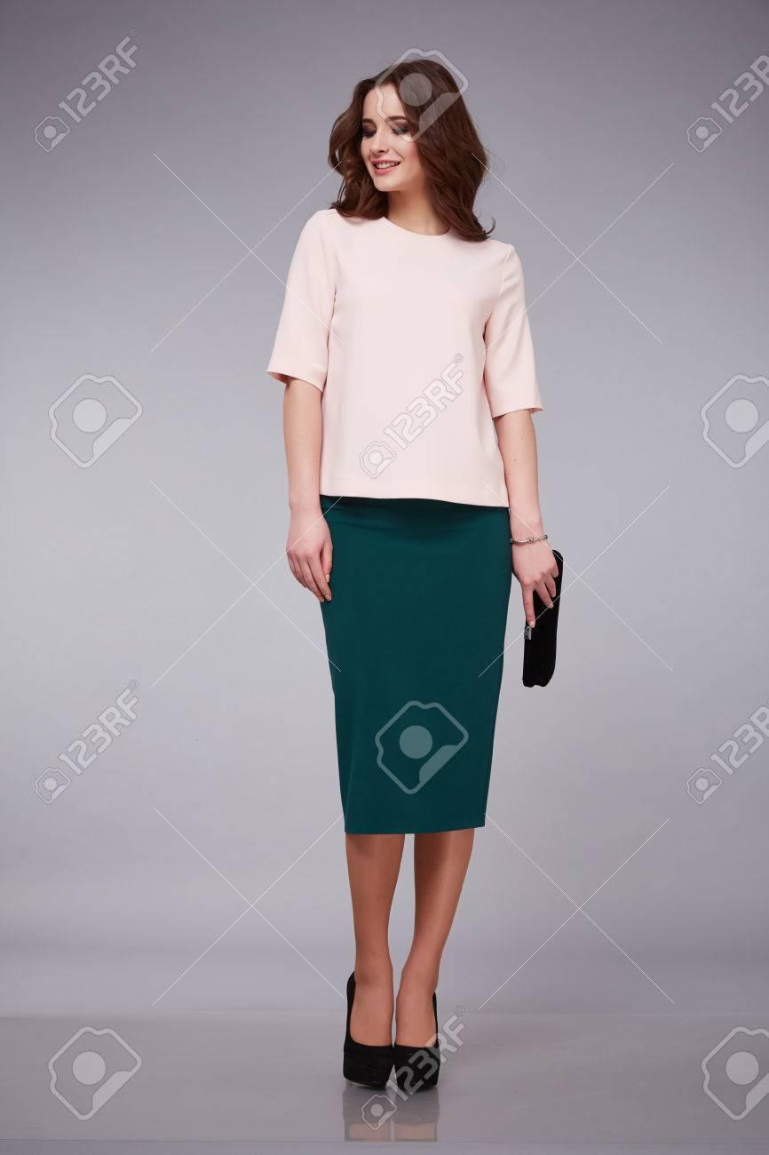 95c57926c8bbe5 Sexy dame de beauté femme portant des vêtements d'affaires décontractés  jupe et blouse vêtements de coton de soie, nouveau catalogue de la ...
