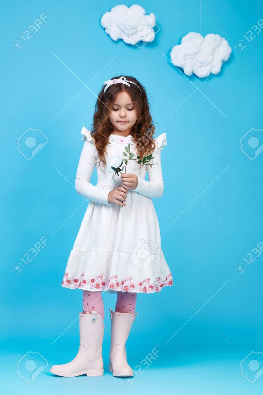 Wear face collection - Beautiful Little Cute Girl Smile Long Dark Hair Take Flower Wear Style Fashion Silk Cotton Dress