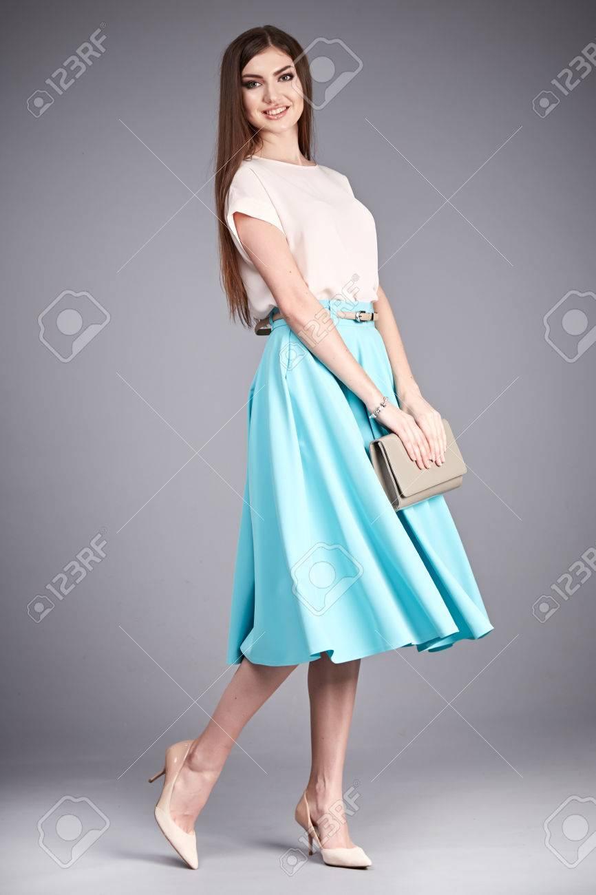218101dceda316 Vêtements de mode de coton Belle femme usure jupe et soie blouse catalogue  occasionnel pour le bureau de réunion du parti chaque jour porter ...