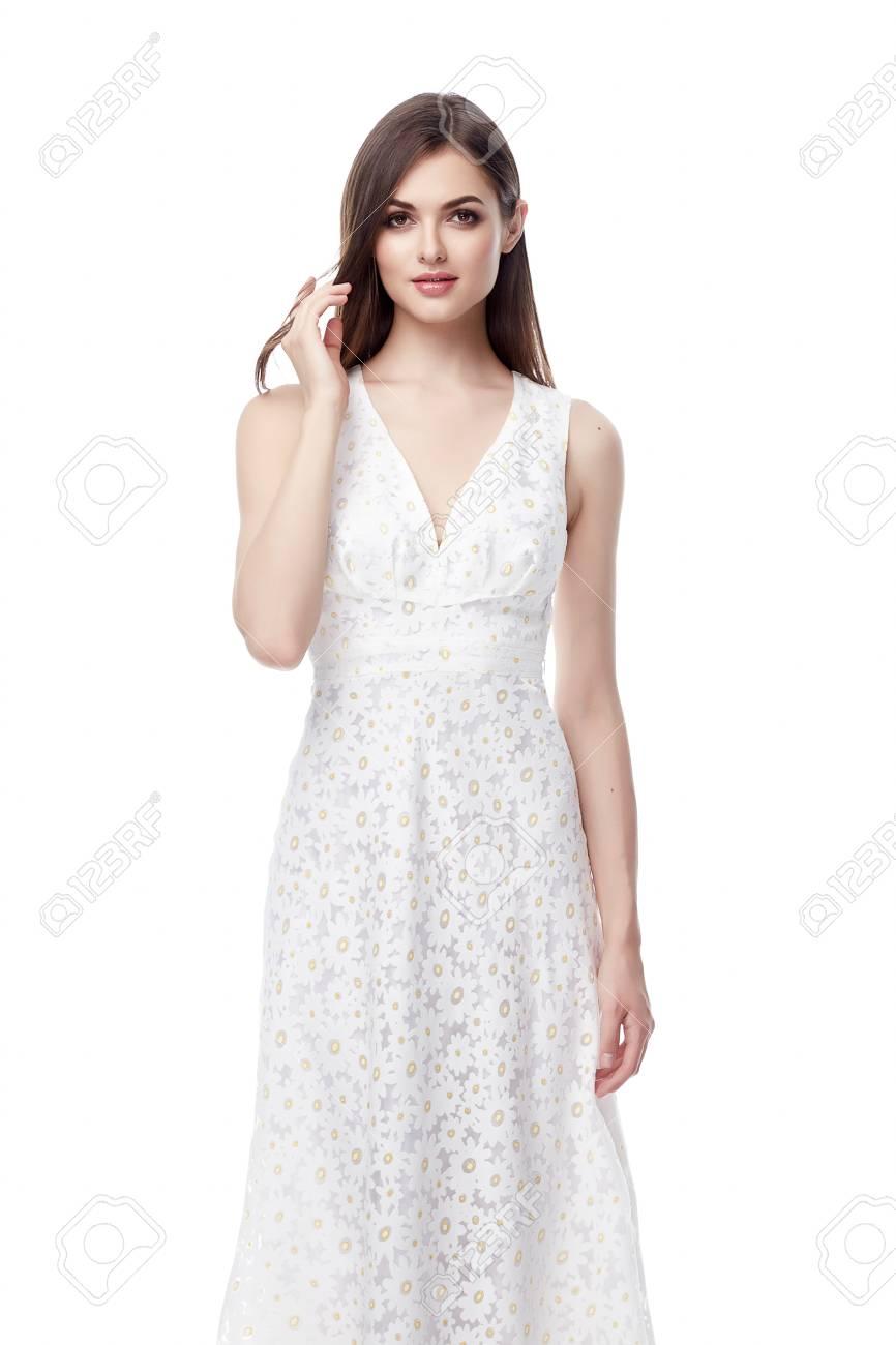 64901289794 Belle Femme De La Mode Maquillage Des Cheveux Brune Usure Soie Longue Robe  Blanche Pour Les Vêtements Date De Fête Femme Sexy Joli Visage Corps  Parfait ...