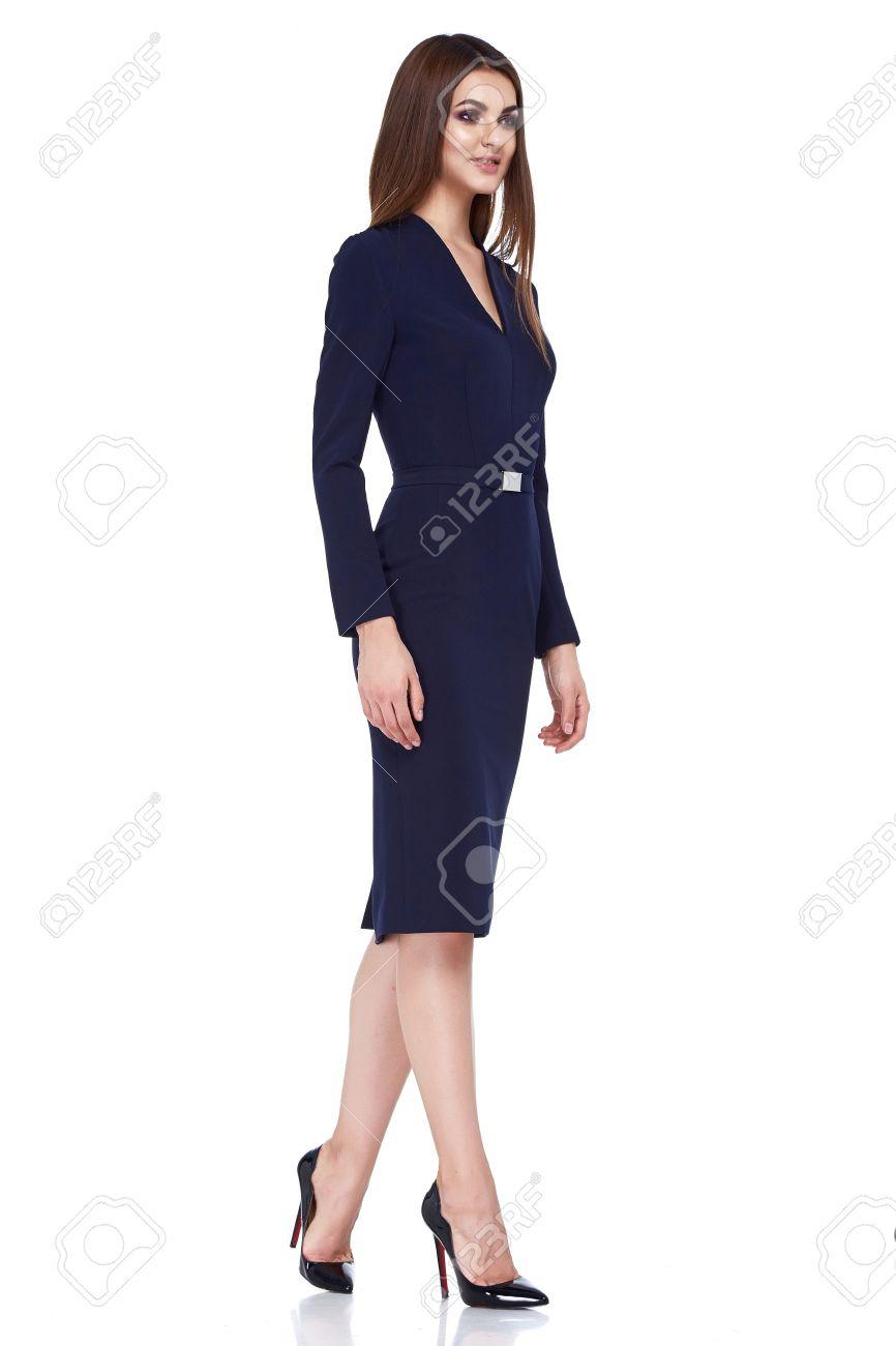 Hermosa Mujer Morena Atractiva Del Vestido Del Estilo De Visita Flaca Del  Protocolo Diplomático Oficina Uniforme De Color Negro Perfecto Protagonista  Traje ... ad096de20ba3