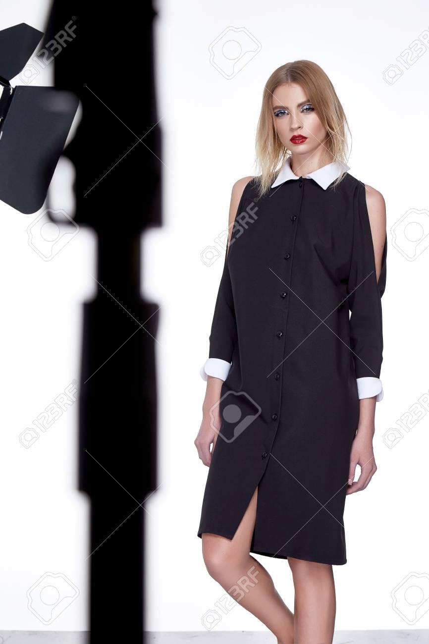 Sexy Schöne Frau Perfekte Dame Schicke Mode Blondes Haar Mode-Modell ...