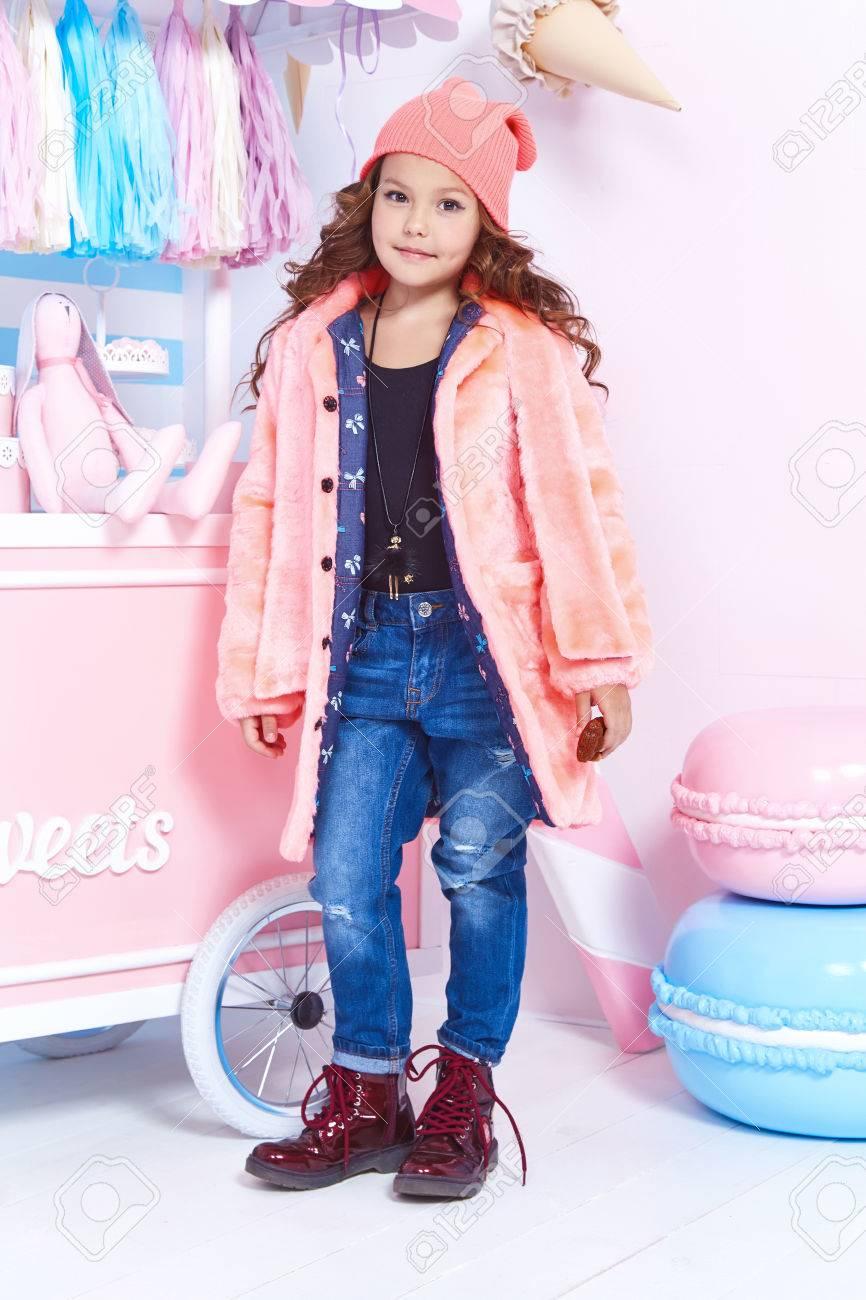 Rubia Divertida Linda Hermosa Niña Bonita Bebé Pelo Rizado Para ...