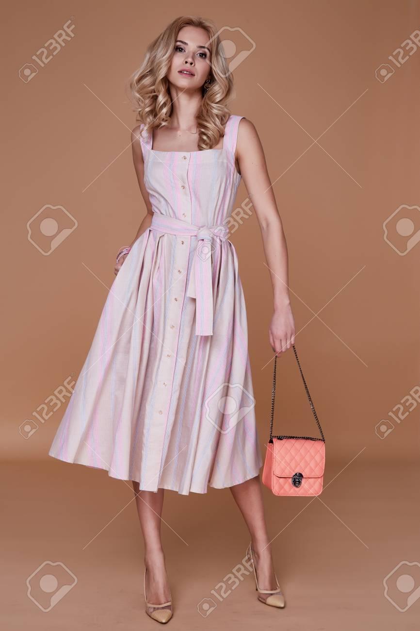 Modelos vestidos casuales elegantes
