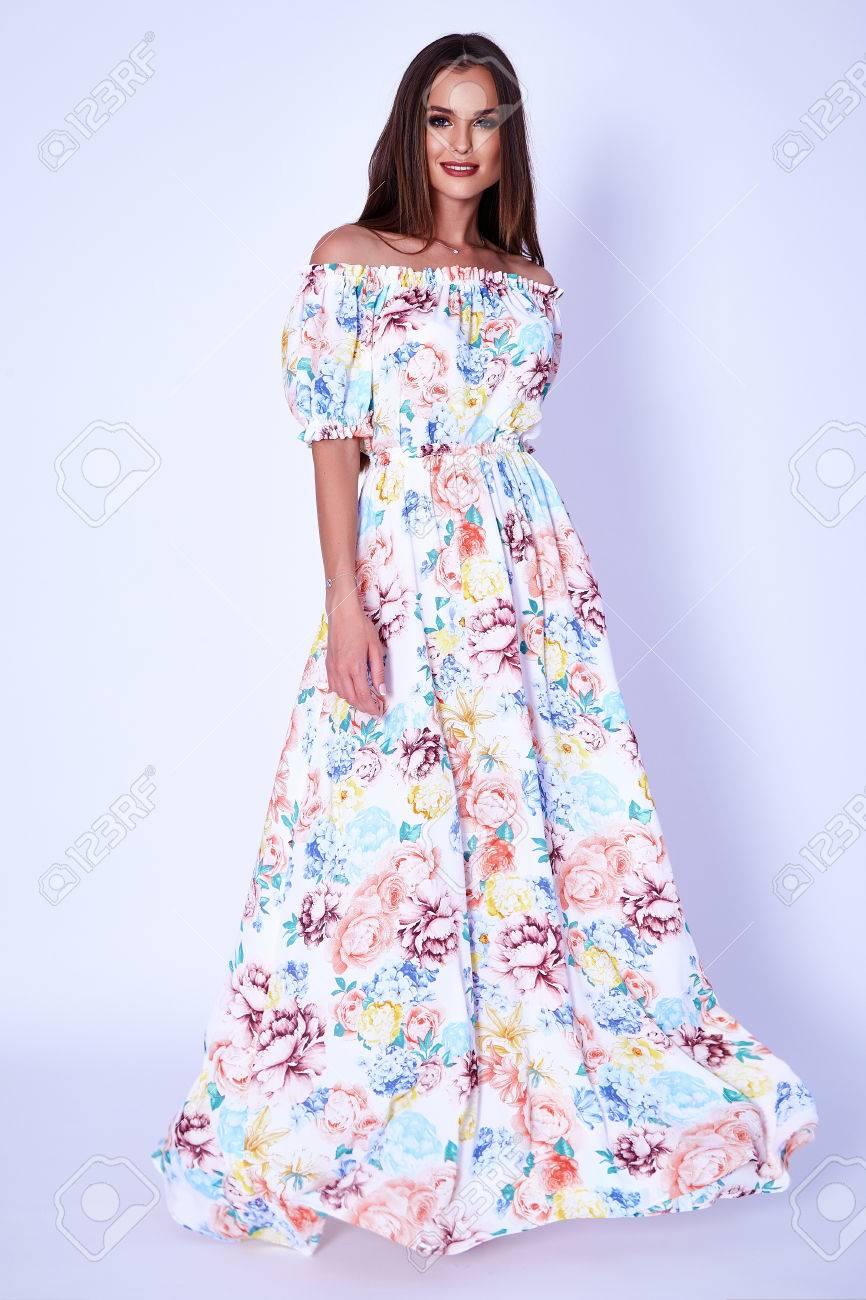 Mode-Glamour Sexy Modell Schöne Frau Hübsches Gesicht Lang Fett ...