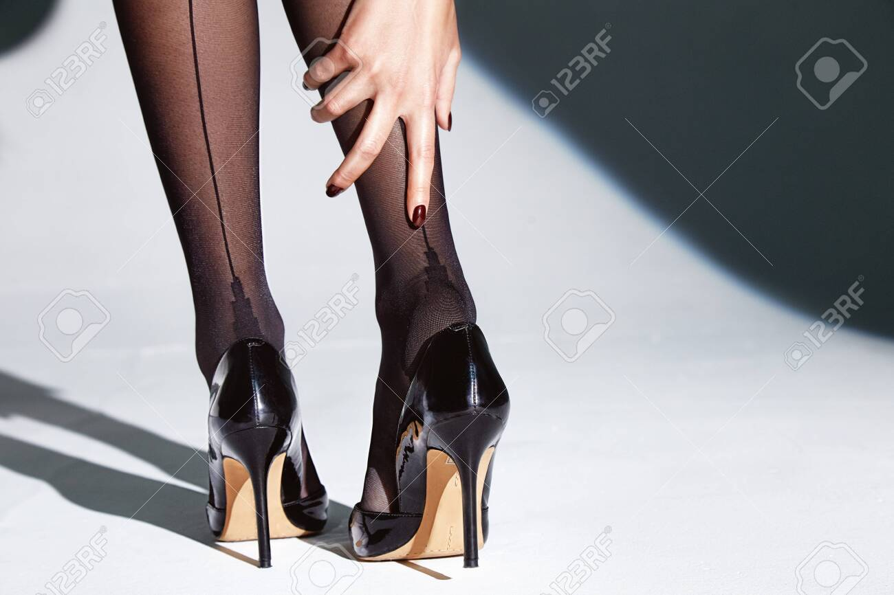 Nylons feet in pantyhose model