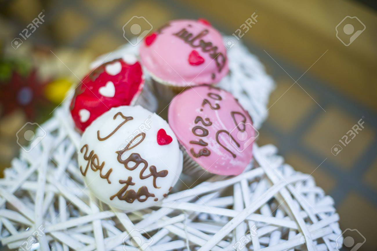 Tasty looking muffins in warm and vibrant colors made for wedding reception Stock Photo - 18425765