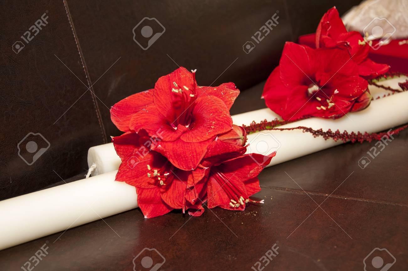 Schone Hochzeit Traditionellen Kerze Mit Roten Blumen Ornamente