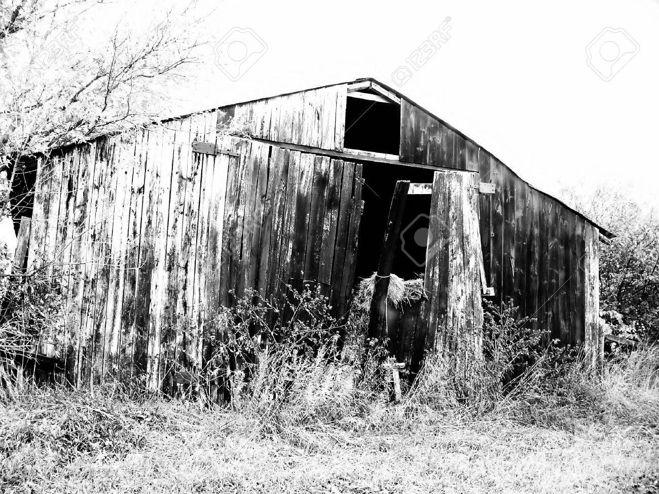 High Contrast Black And White Of A Very Old Barn Stock Photo