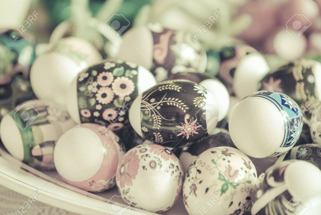 Vintage Eastern European Easter Eggs  in a plate  White eggs with floral patterns Stock Photo - 18497882