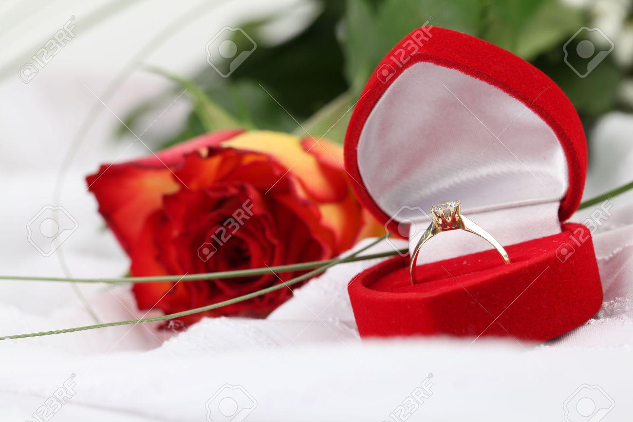 Фото подарков цветов и кольца