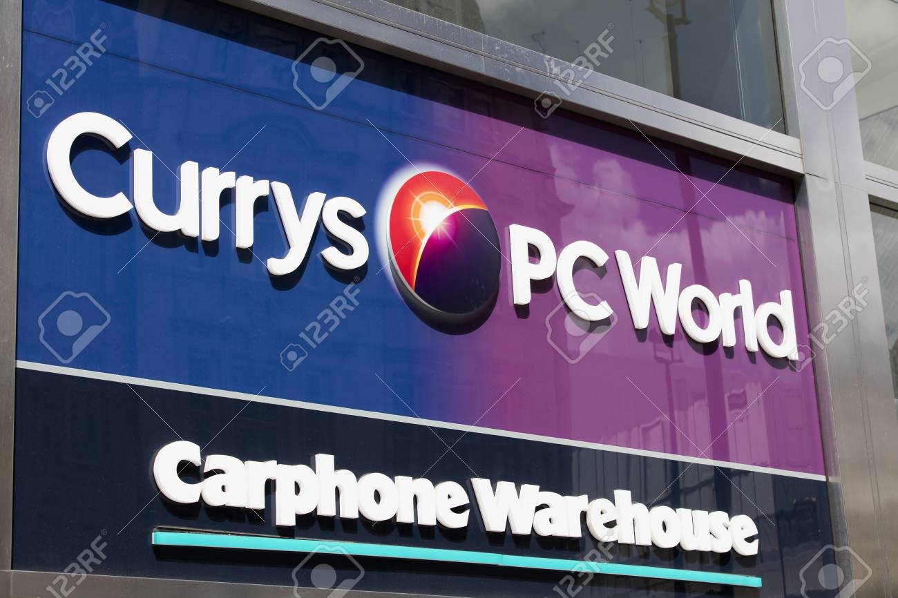 7ff71d36 LONDON, UK - JULY 31th 2018: Currys PC World electronics store front on  Oxford