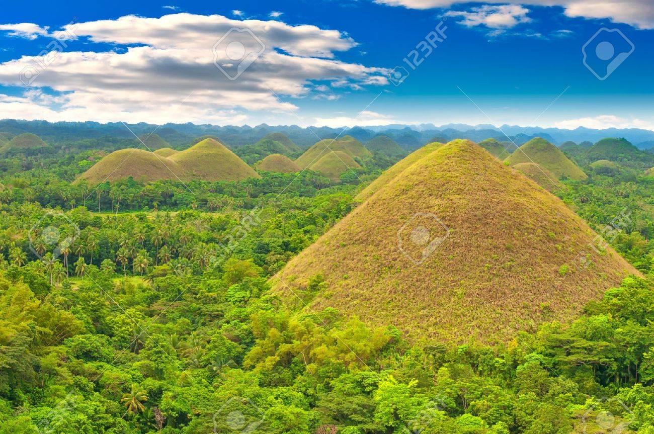 Chocolate hills panorama, Bohol island, Philippines Stock Photo - 11519647