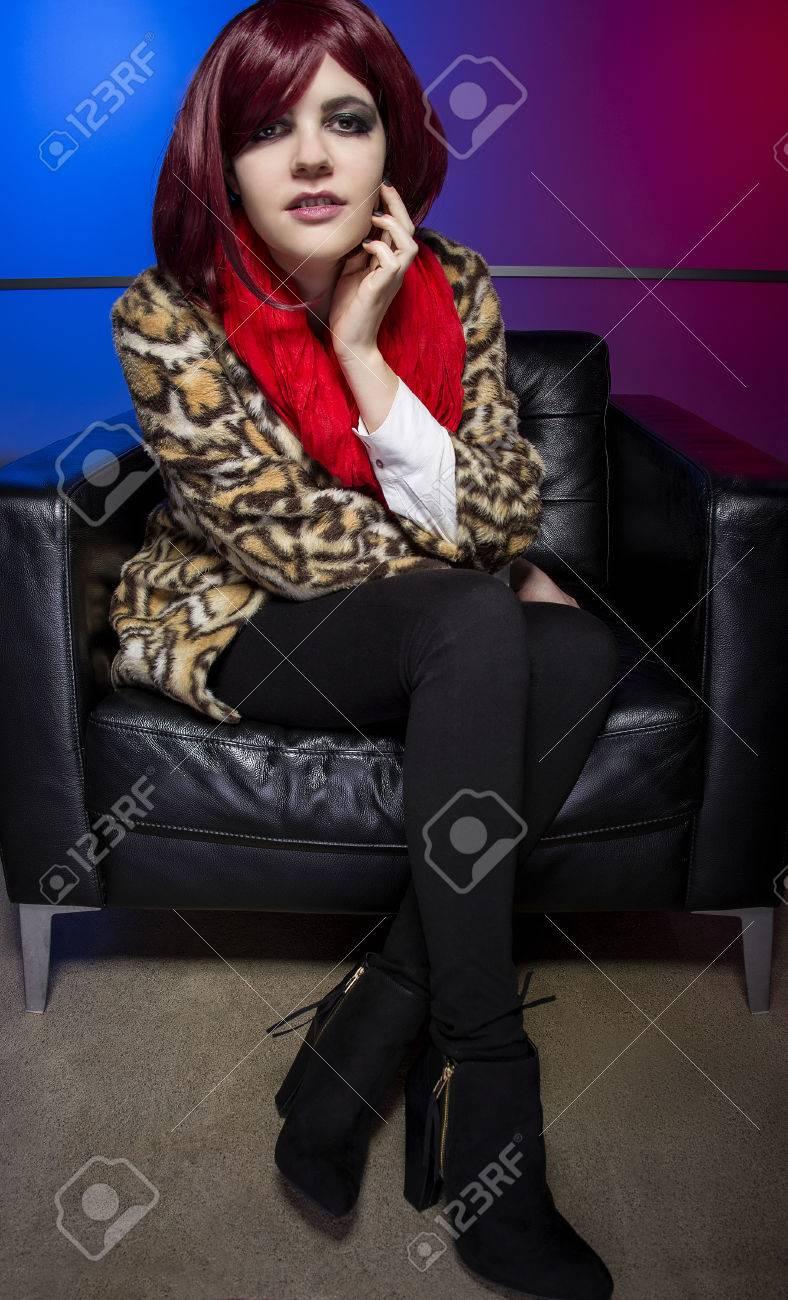 Que Leopardo Impresión Llevaba Un Con De De De Mujer Abrigo Modelo Uq0RER