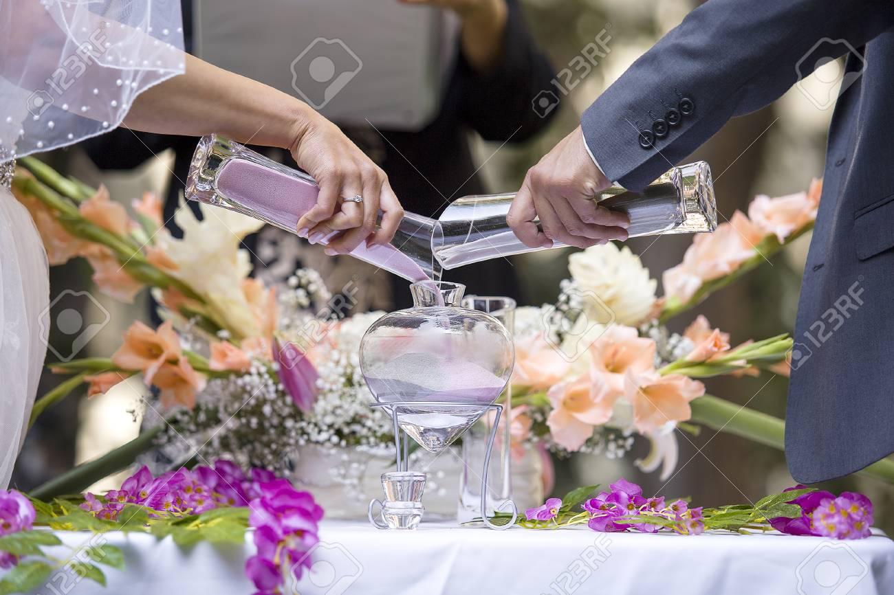 Sable Vase Cérémonie Dans Un Mariage Avec Du Sable Coloré étant ...