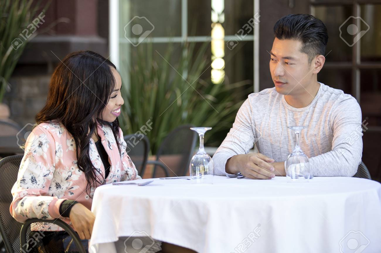 dingen om te weten voordat dating een Aziatisch meisje online dating Valentines Day geschenken