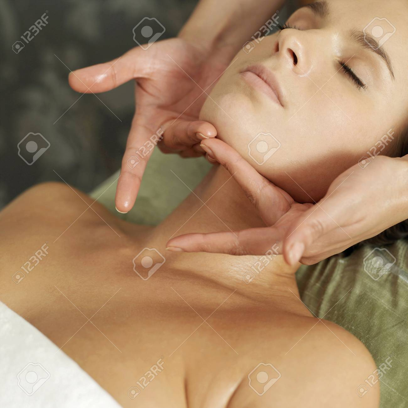 Woman enjoying a relaxing body massage Stock Photo - 26265025
