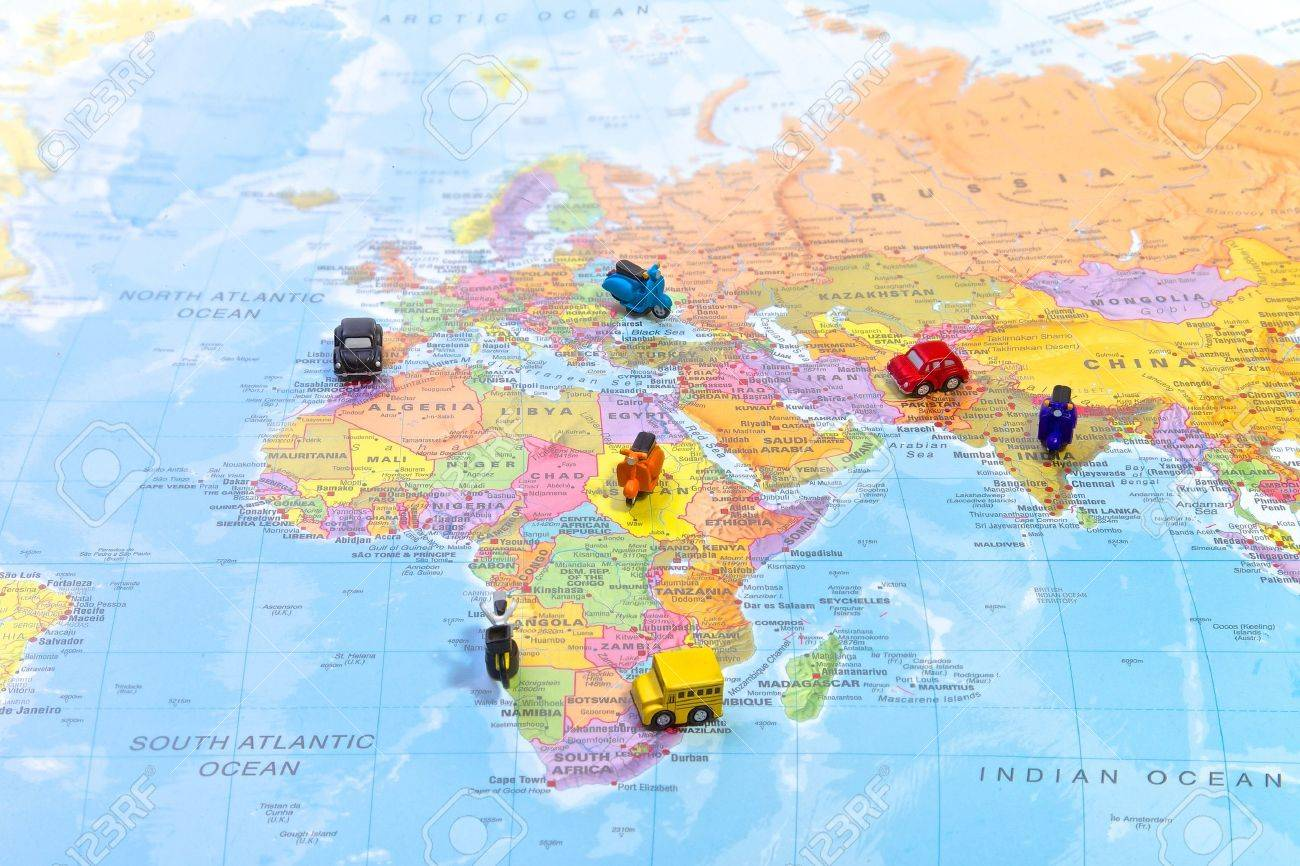 World map with magnets on countries - 15913500