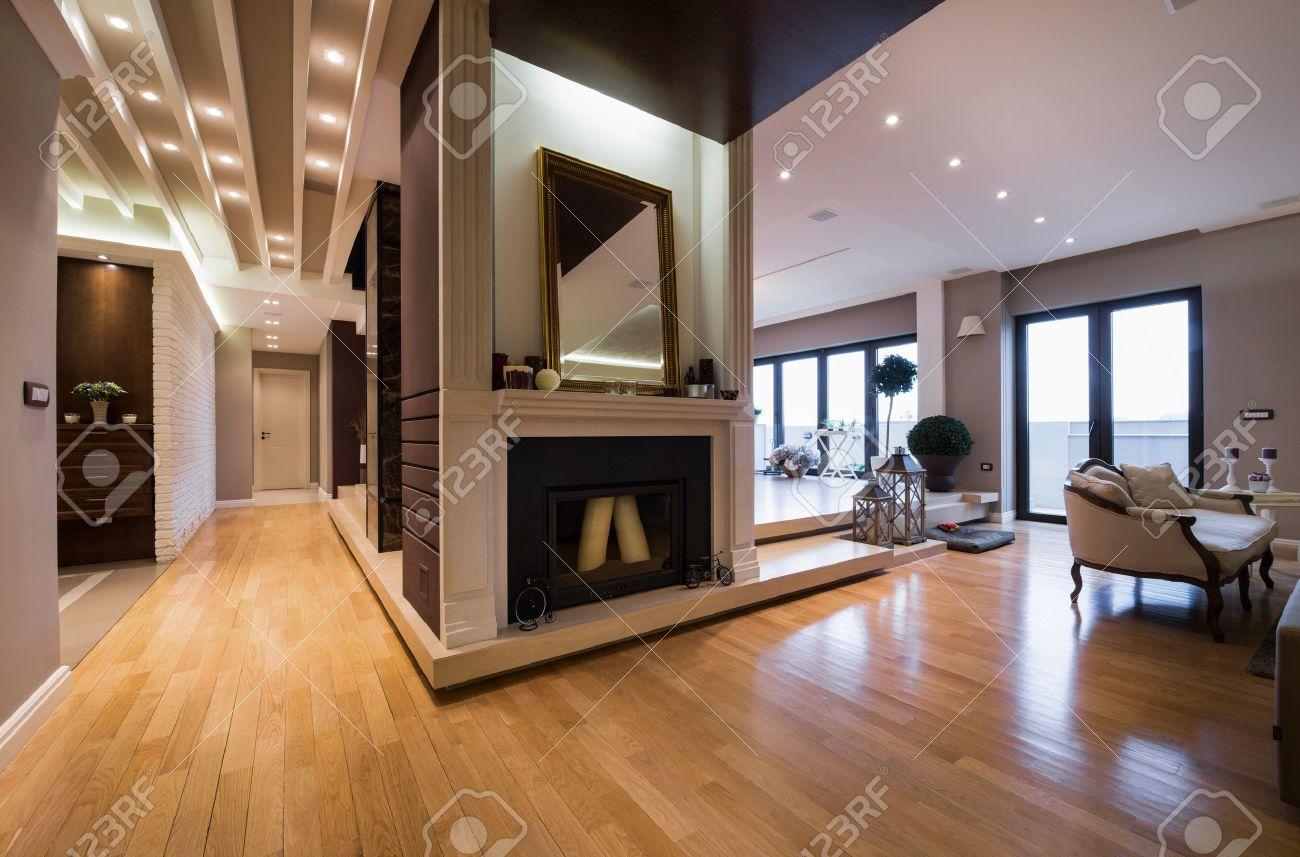 luxus-wohnung interieur mit kamin mit kerzen eingereicht ... - Luxus Wohnung Mit Kaminofen